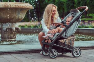 Best Strollers For Short Moms